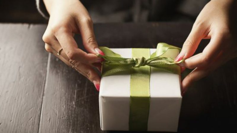 How To Succeed at Corporate Gifting